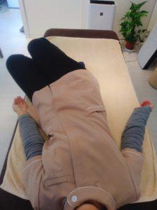 膝倒しテスト